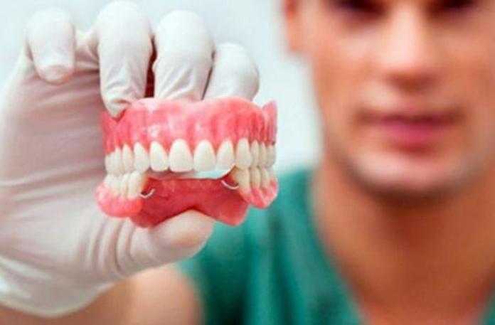 Prótesis: Especialidades de Clínica Dental Dr. Yagüe