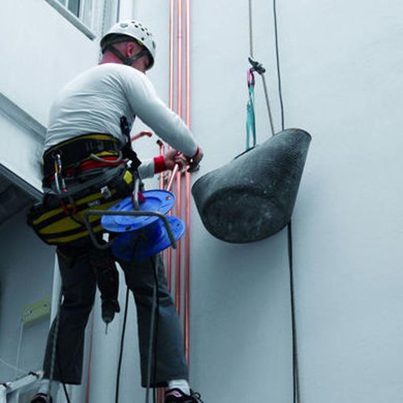 Trabajos verticales: Servicios of Decoisi