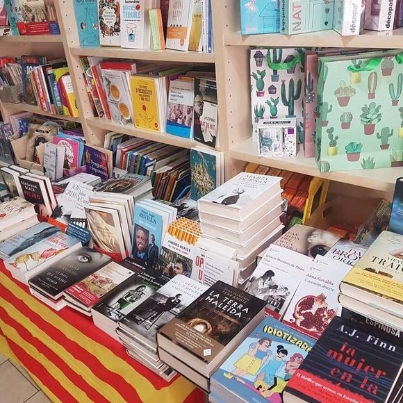 Papelería librería: Productos y servicios de Impremta Paperería Farrés