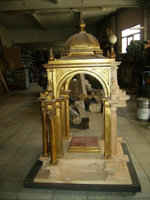 Trabajos de restauración de elementos históricos