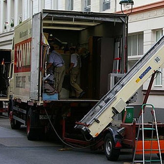 Consejos para colocar los objetos en un camión de mudanza