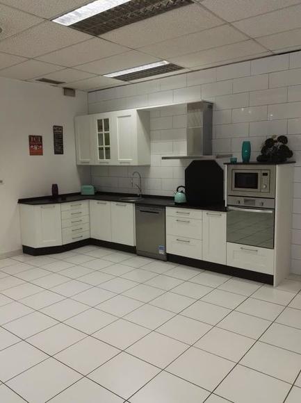 Nueva cocina en exposición con lo ultimo de silestone