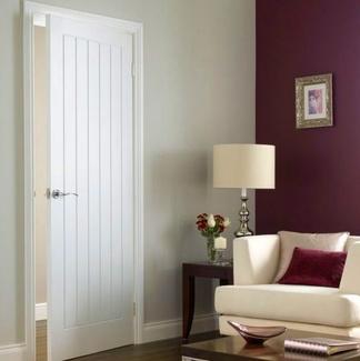 Las puertas blancas lacadas