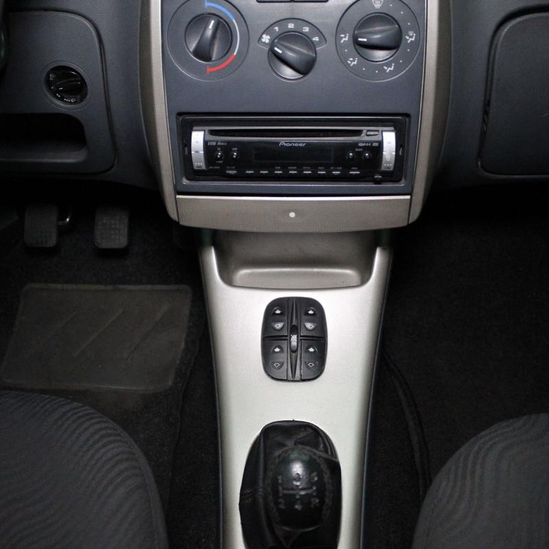 TATA Indica 1.4TD LX: Nuestros Vehículos de Activa Motors