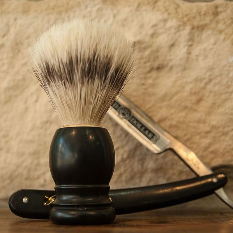 Afeitado : Servicios de Álamos Peluqueros
