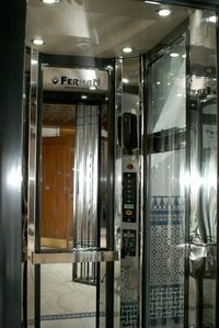Montaje de ascensores pequeños para huecos de escaleras en Andalucía