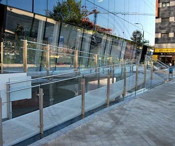 Barandillas y exteriores de cristal Madrid