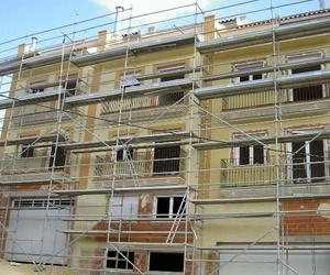 Construccion de un Edifico de viviendas en fase de fachadas