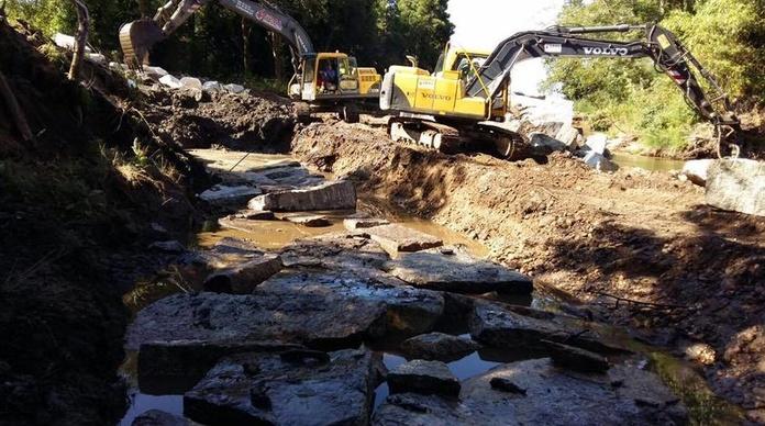 Muros de escolleras: Servicios de Excavaciones y Muros ESSAL