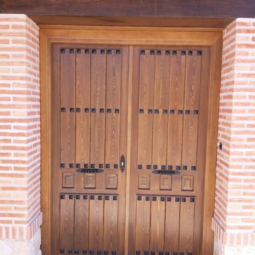 Puertas de madera para exterior en Toledo