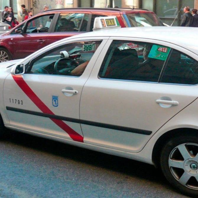 El color de los taxis en Madrid