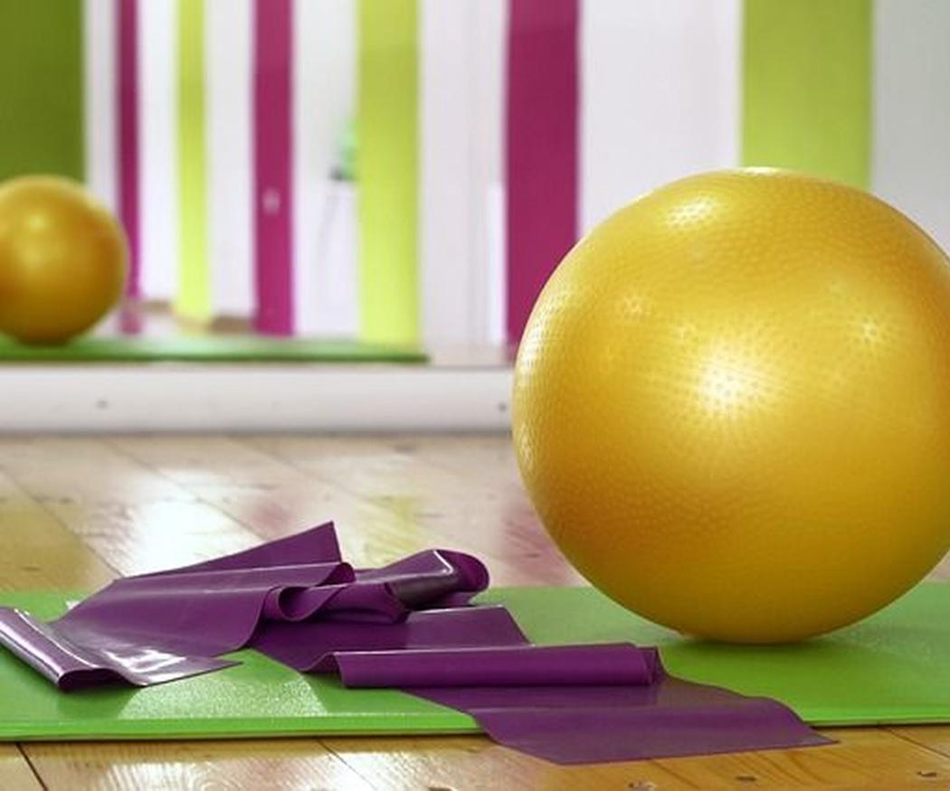 Los nueve mejores ejercicios para usar tu fitball