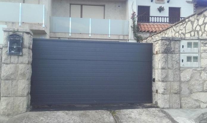 Puertas correderas motorizadas: Productos de Puertas Automatismos