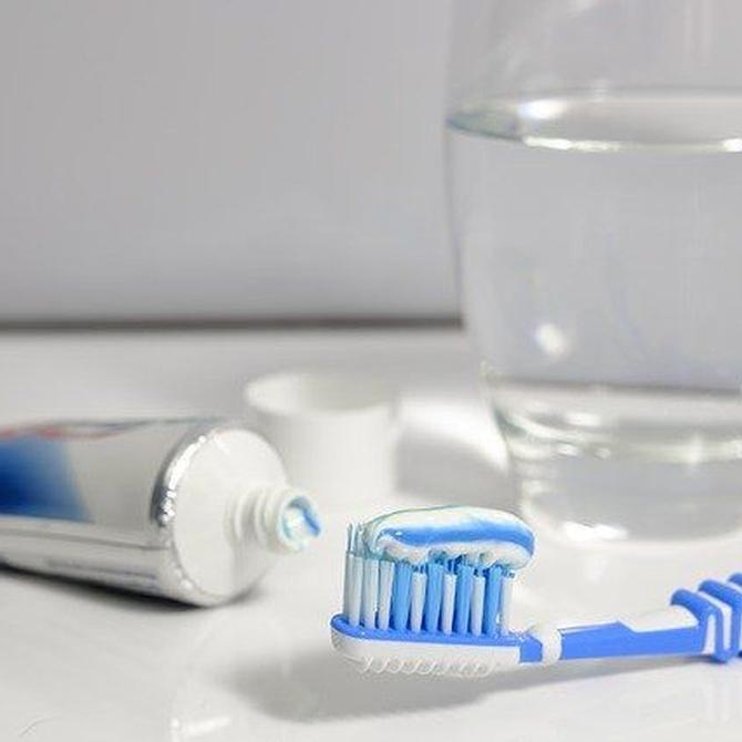 Limpieza y cuidados de los implantes dentales