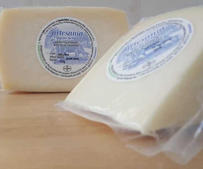Queso tierno: Nuestros productos de Lácteos Artesanía