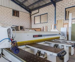 Mobiliario para negocios a medida en Cáceres
