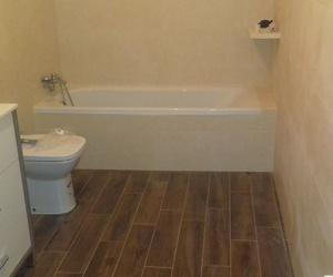 Cambio de bañera por plato de ducha y reforma en baños