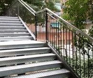 Escaleras metálicas barcelona