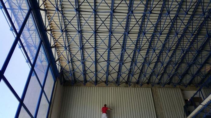 Pintado de estructuras en el edificio Club del Hielo (Palma de Mallorca)