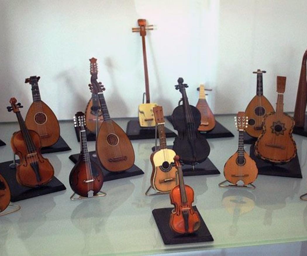 Familia de instrumentos de cuerdas