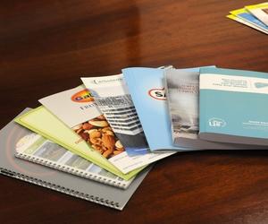 Podemos imprimir sin mínimo de copias, tus libros, memorias, tesis...