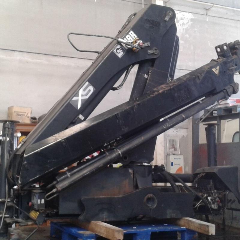 Reparación y mantenimiento de grúas Hiab: Maquinaria y servicios de Congrual