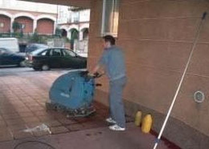 Pulido y abrillantado: Servicios de Limpiezas Hermanos Guijarro