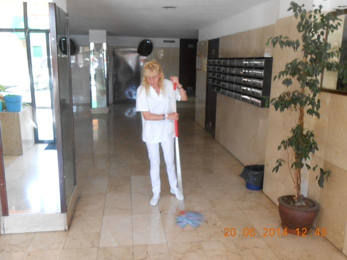 Limpieza de comunidades: Servicios de Llemart Servei, S.L.