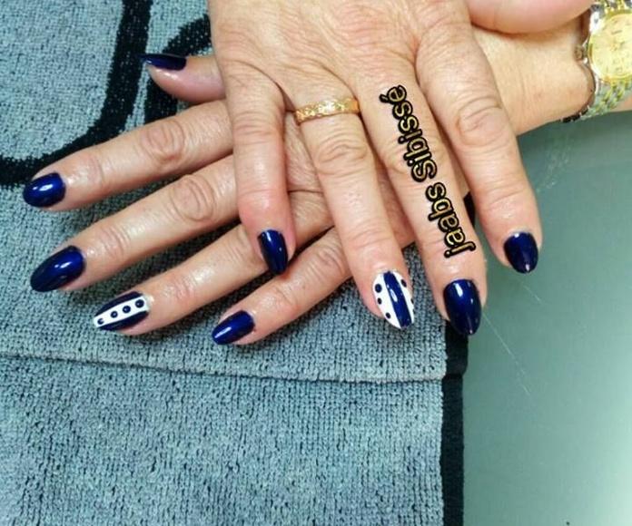 Manicura y pedicura: Peluquería y estética de Jaabs Sibisse Peluquería y Estética