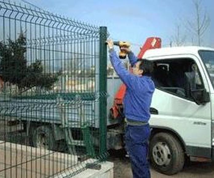 Col.locació de tancaments metàl.lics Barcelona