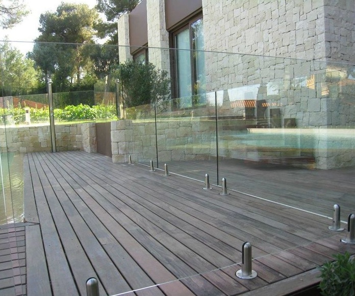 Barandilla de cristal piscina. Cristalera Madrileña