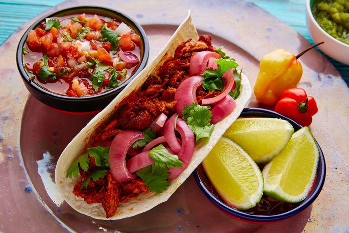 Flautas tapatias: Carta de Azteca Restaurante Mexicano