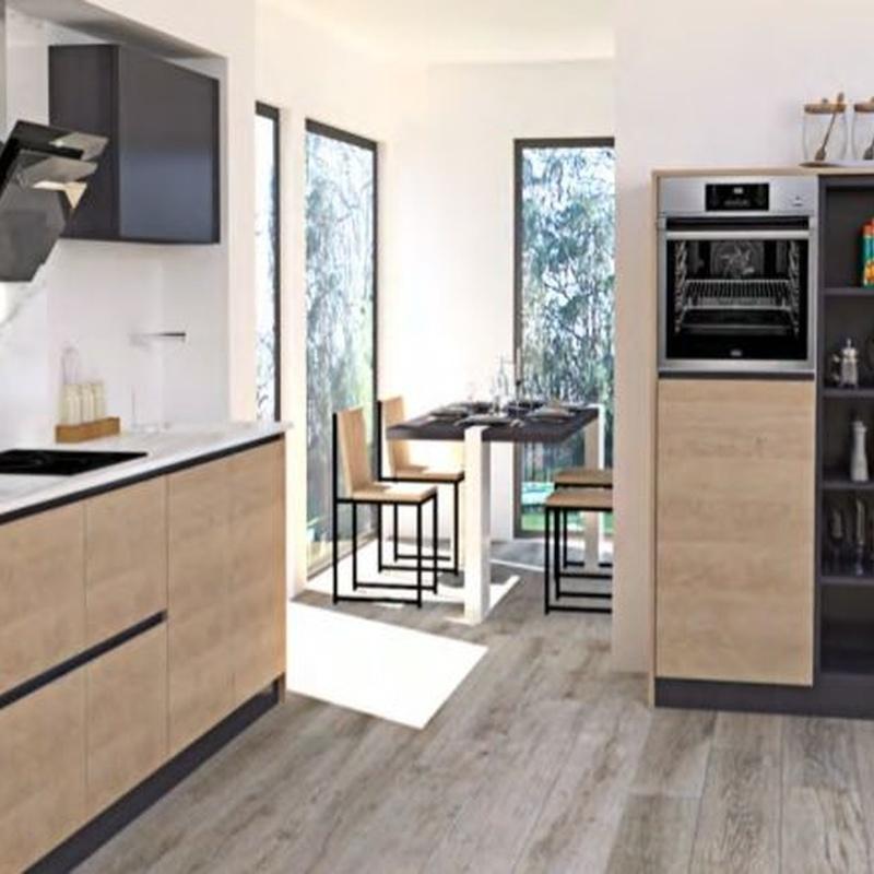 Puertas de cocina: Muebles de cocina y reformas de Luxe Cocinas