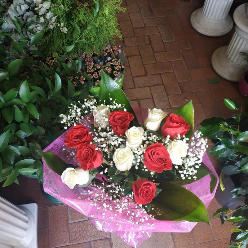 Arreglos de rosas: Productos y servicios   of Floristas San Isidro José