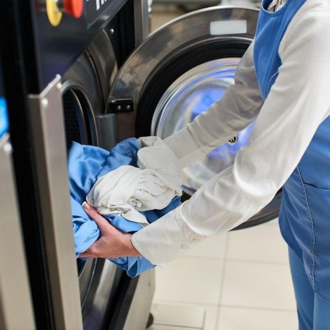 ¿Quiénes suelen contratar los servicios de lavandería industrial?