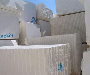 MSC Artesanos de la Piedra abre una cantera de caliza blanca en Pedrera