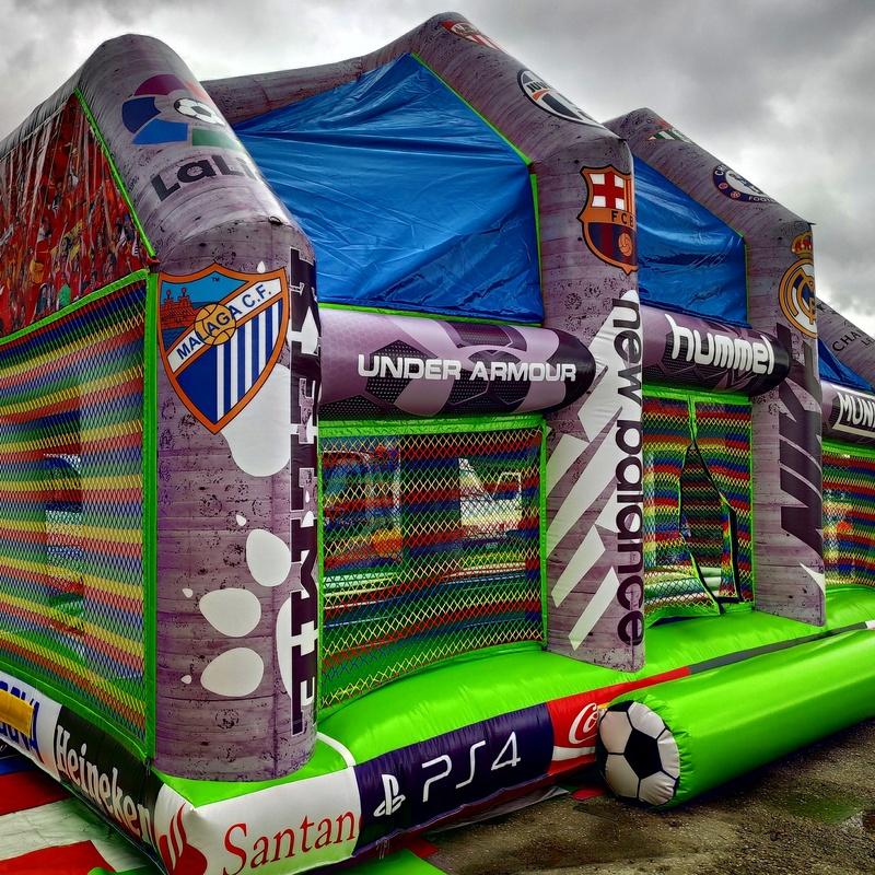 Campo de futbol techo arcos: Catálogo de Hinchables Happy Jump