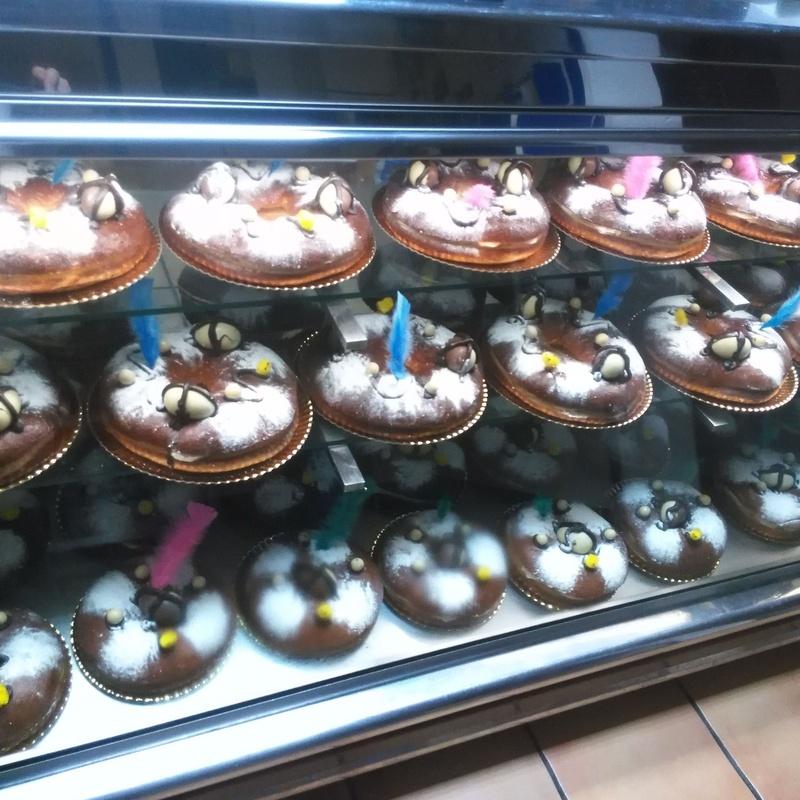 Dulces típicos festividades: Productos y servicios de Panadería Pastelería Lázaro Petisme