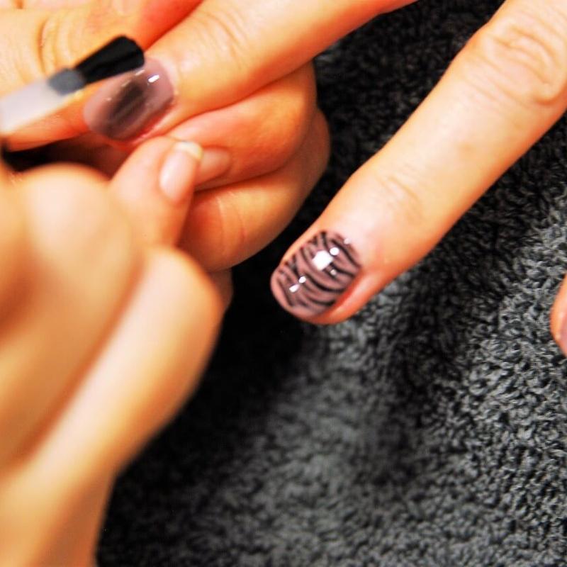 Cuidado de manos y pies: Tratamientos de Centro de Estética Maeve