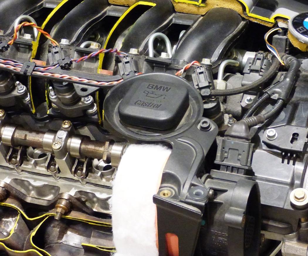 La importancia de cambiar el aceite del coche