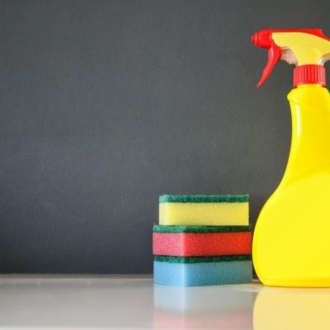 El amoniaco y su potente efecto limpiador