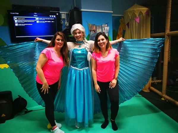 Frozen (Elsa) y parte de nuestro equipo.