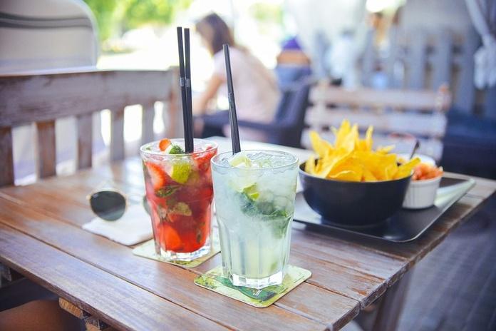 Terraza exterior: Servicios de Bar Restaurante Los Ángeles