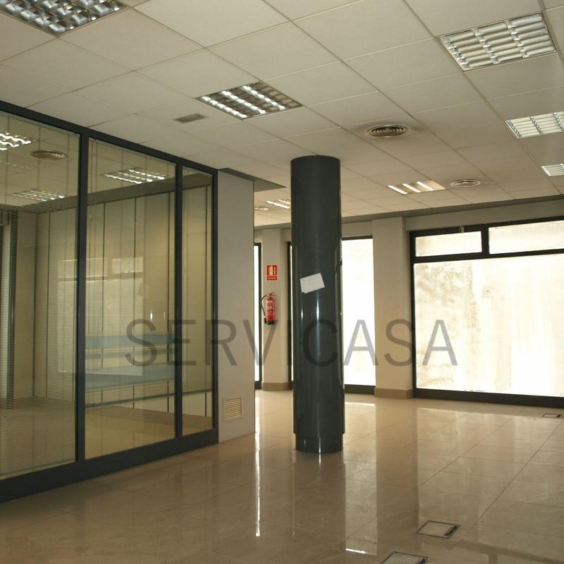 Local comercial 950€/mes : Compra y alquiler de Servicasa Servicios Inmobiliarios