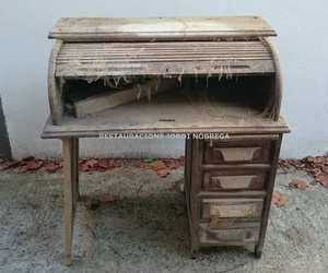 Bureau de roble con persiana