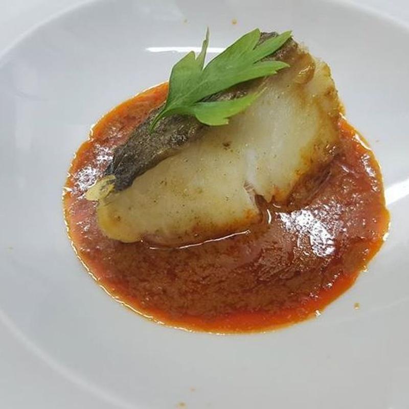 Bacalao con salsa de carabineros