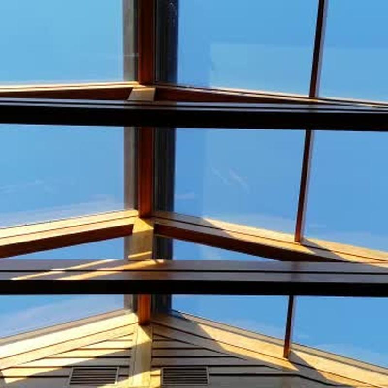 Video de toldos veranda motorizados instalados en tejado a dos aguas