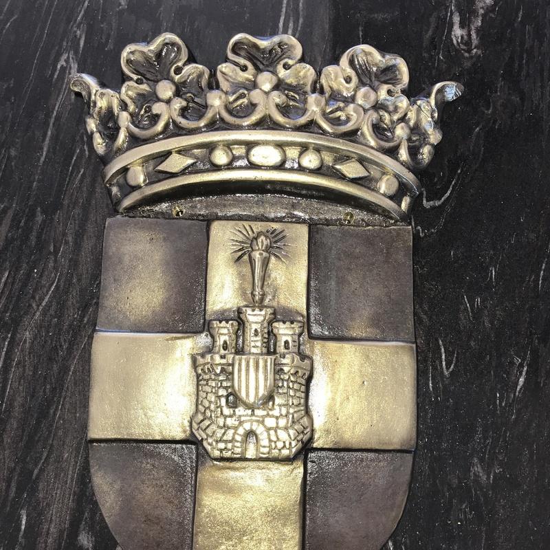 Escudos para Ayuntamientos: Servicios de fundición de Fundiciones Ferrer