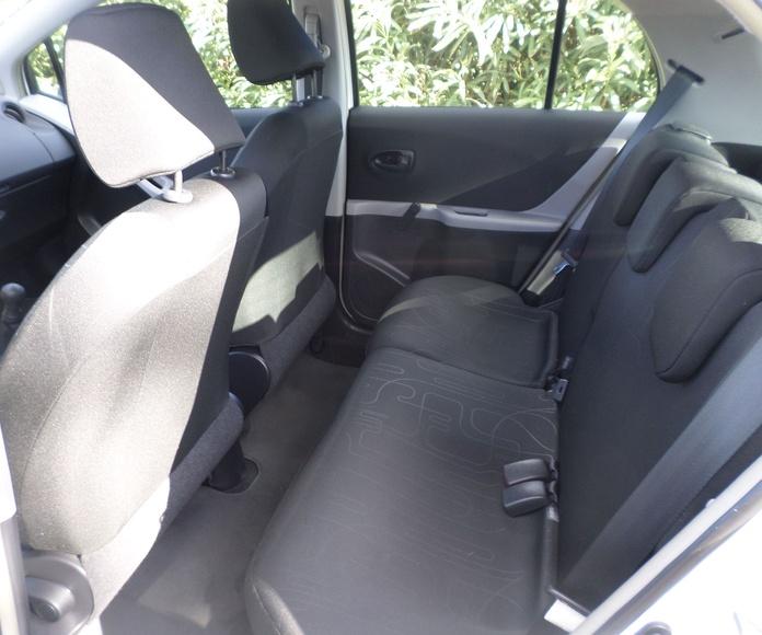 TOYOTA YARIS 1.0 5 PUERTAS 2011: Servicios de reparación  de Automóviles y Talleres Dorado