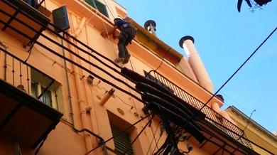 Colocación de rejilla de ventilación en Antonio Maura  ( Mallorca)